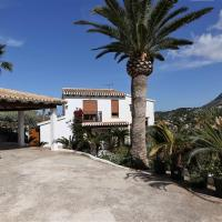 Outstanding spacious 240m2 Villa with fireplace, foothills of Montgo, large Mediterranean garden, sea and mountain views