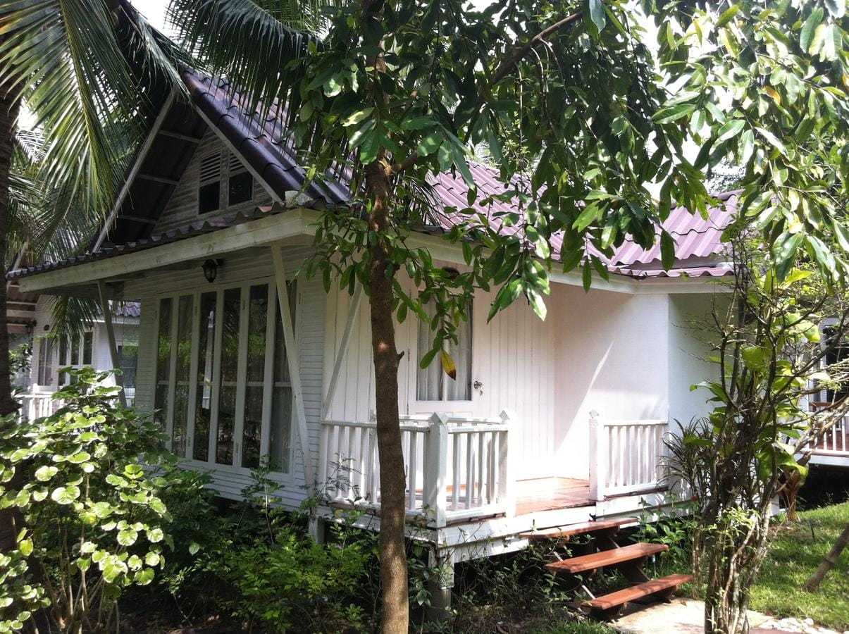Young Coconut Garden Home Resort Image