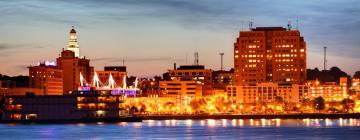 Hotels in Moline