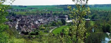 Hotels in Noyers-sur-Serein