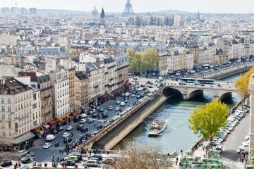 Paris: Car hire in 90 pick-up locations