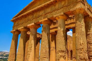 Agrigento: Car rentals in 2 pickup locations