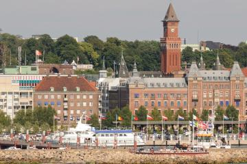 Helsingborg: Car hire in 2 pick-up locations