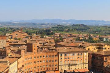 Siena: Noleggio auto in 1 luogo per il ritiro