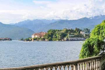 Stresa: Car hire in 1 pickup location