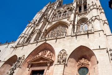 Burgos: Alquiler de coches en 3 lugares de recogida