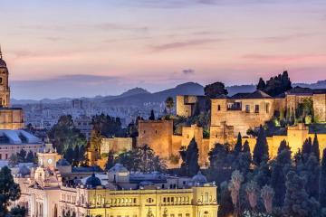 Málaga: Car rentals in 6 pickup locations