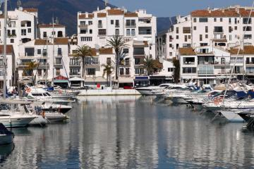 Marbella: Car rentals in 5 pickup locations