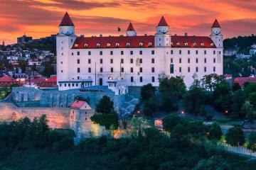 Bratislava: Prenájom áut na 2 miestach
