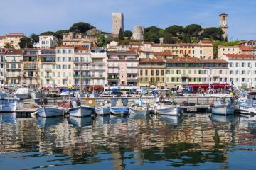 Cannes: Car hire in 6 pick-up locations