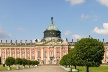 Potsdam: Car hire in 1 pickup location
