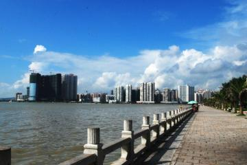 Zhuhai: Car rentals in 2 pickup locations