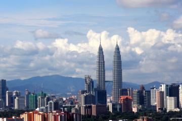 Kuala Lumpur: Rental mobil di 8 titik pengambilan