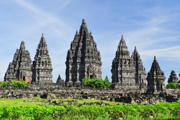 Yogyakarta: Car hire in 2 pick-up locations