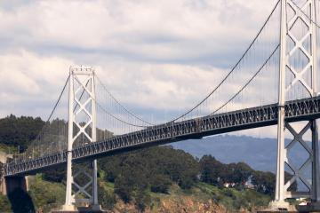 Oakland: Car rentals in 14 pickup locations