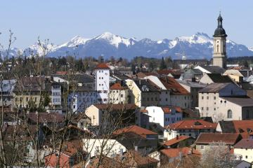 Traunstein: Car rentals in 3 pickup locations