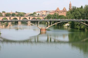 Montauban: Car hire in 3 pick-up locations