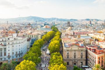 Barcelona: Lloguer de cotxes a 23 llocs de recollida
