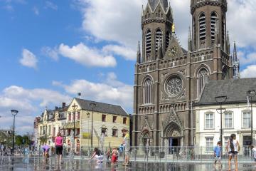 Tilburg: Car rentals in 1 pickup location