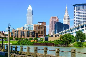 Cleveland: Car rentals in 12 pickup locations