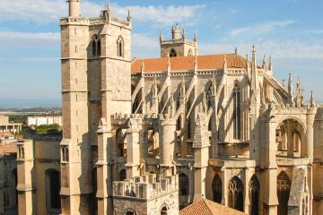 Narbonne: Car hire in 2 pick-up locations