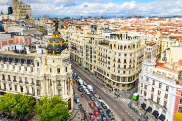 Madrid: Autoverhuur bij 40 afhaalpunten