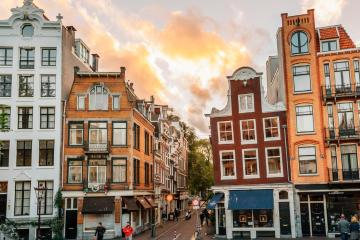 Amsterdam: Car hire in 14 pick-up locations