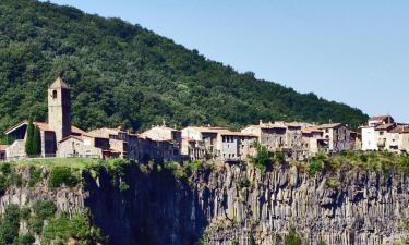 Pet-Friendly Hotels in Castellfollit de la Roca