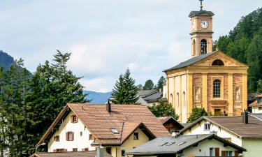 Hotels with Parking in Lenz