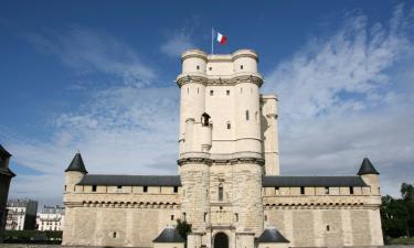 Hotels in Saint-Thibault-des-Vignes
