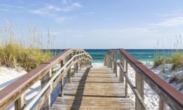 Hotels with Pools in Gulf Breeze