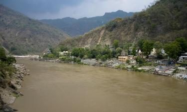 Hoteles con parking en Haridwar