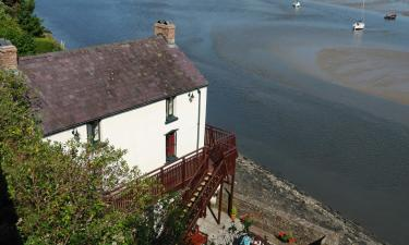 Hotels with Parking in Laugharne