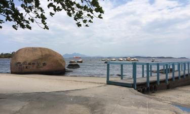 Holiday Rentals in Paqueta
