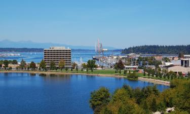 Hotels with Jacuzzis in Olympia