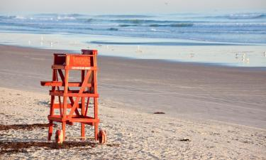 Hotels with Pools in Daytona Beach Shores