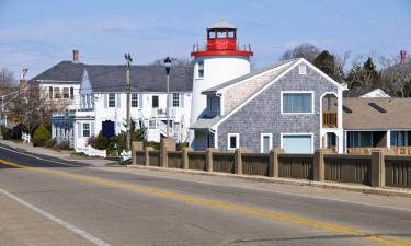 Hotels with Parking in West Dennis