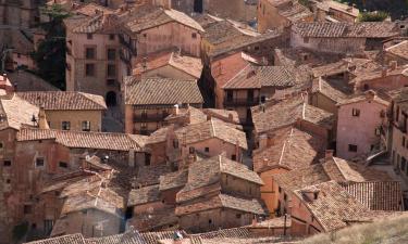 Hotels with Parking in Torres de Albarracín