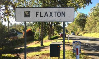 Hotéis com estacionamento em Flaxton