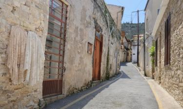 Vacation Rentals in Tochni