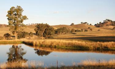 Hotels with Parking in Yarra Junction