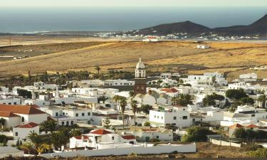 Hotels with Parking in Teguise