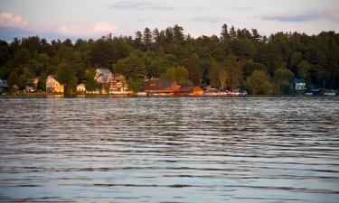 Hotels with Parking in Saranac Lake