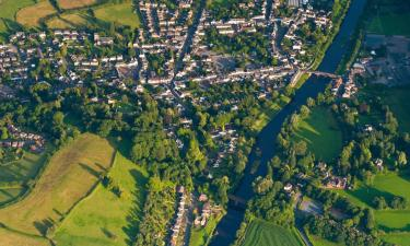 Hotels with Parking in Usk