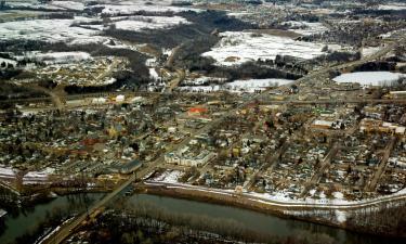 Hotels with Parking in Eden Prairie
