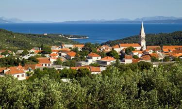 Vacation Rentals in Selca