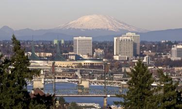 Hotels with Parking in Hillsboro