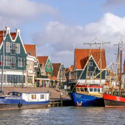 Volendam 16 hotels