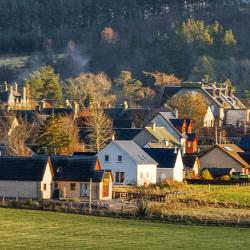 Tomintoul 23 hotels