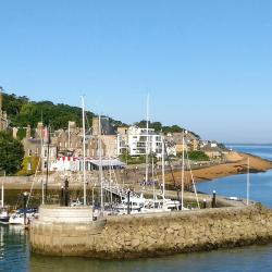 East Cowes 10 vacation rentals
